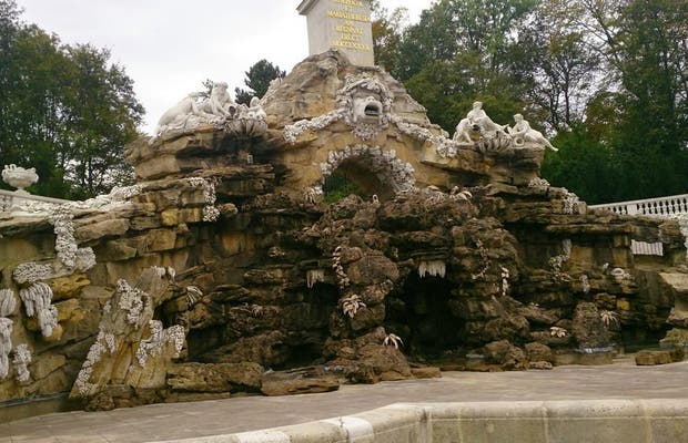 Obelisco fuente
