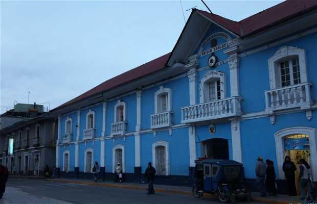 Glorioso Colegio Nacional de San Carlos