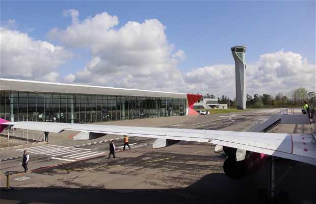 Aeropuerto Internacional David el Constructor