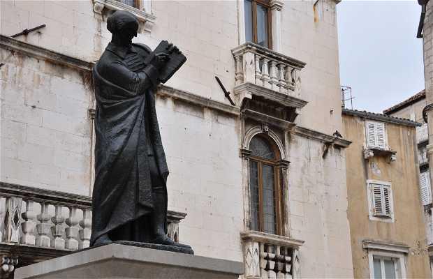 Estatua de Marko Marulic