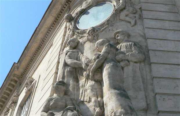 Estatuas Les hommes à l'horloge