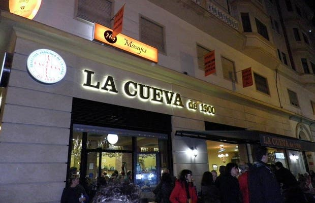 La Cueva de 1900 - Calle Martinez