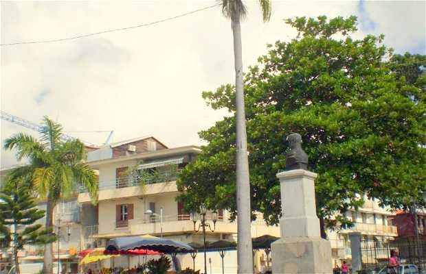 Monumento a Gourbeyre