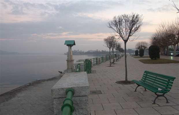 Paseo del Lago