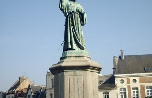 Statue de Pierre l'Ermite