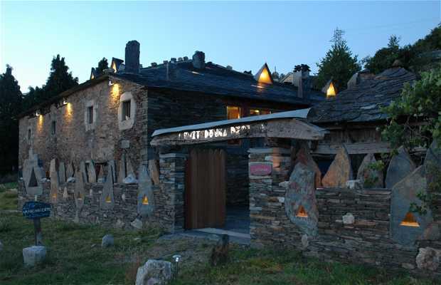 Centro De Interpretación De La Arquitectura Tradicional Asturiana (El refugio de la Arquitectura desnuda)
