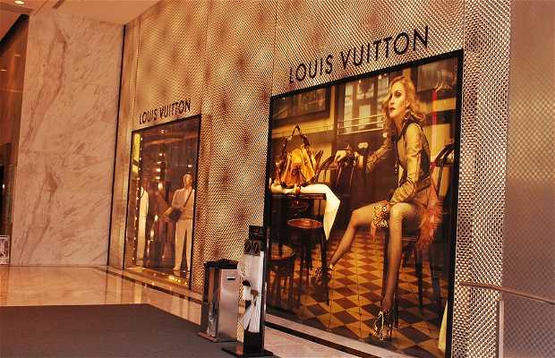 Louis Vuitton - 5 Canton Road