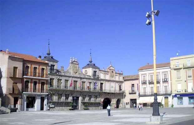 Plaza Mayor de la Hispanidad a Medina del Campo