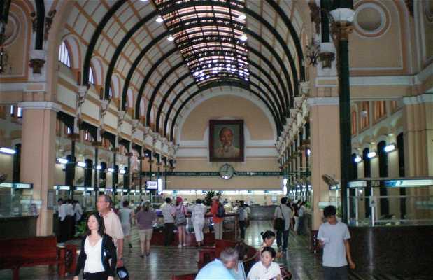 Uffio centrale delle Poste a Ho Chi Minh