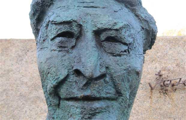 Monumento a Josep Pla