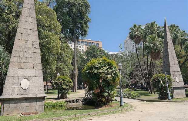 Piramides de la plaza Passeio Público