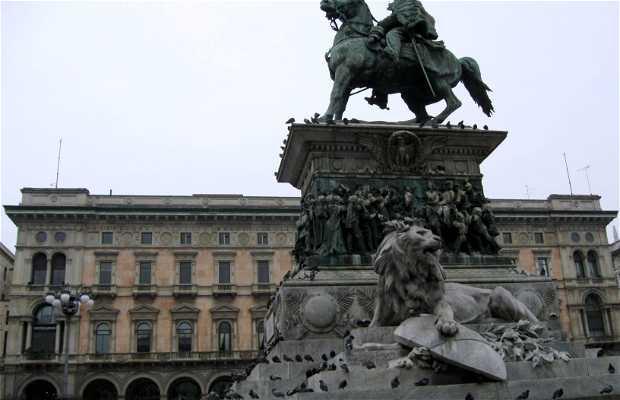 Vittorio Emanuelle II Statue