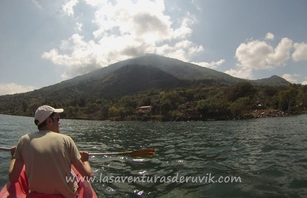 Kayak en el Lago Atitlán