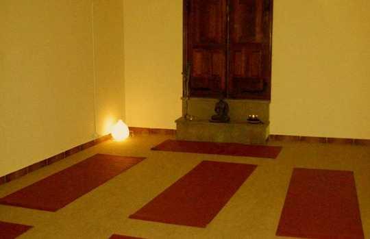 El Arbol Blanco (Espacio de yoga, psicología y crecimiento personal)