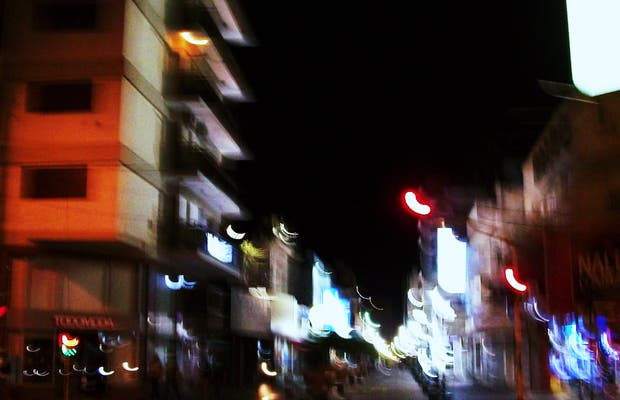 Peatonal San Nicolás de noche