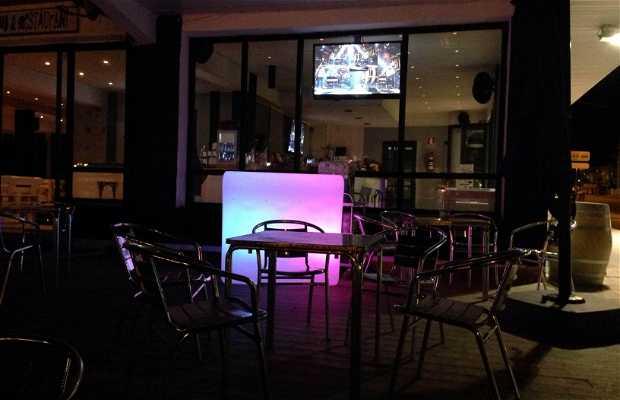 La Cala Pub & Restaurante (Isla)