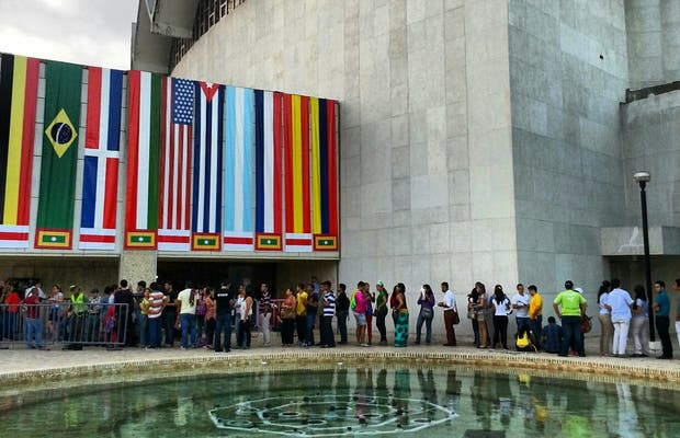 Amira de la Rosa theater