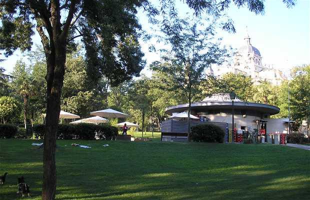 Terrasses du parc Atenas