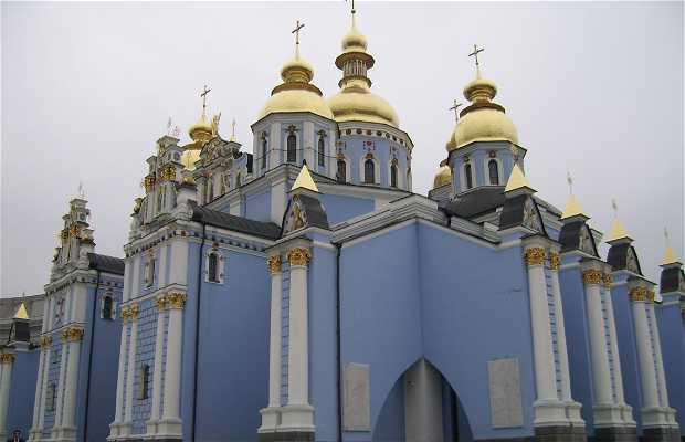 Monasterio de San Miguel de las Cúpulas Doradas