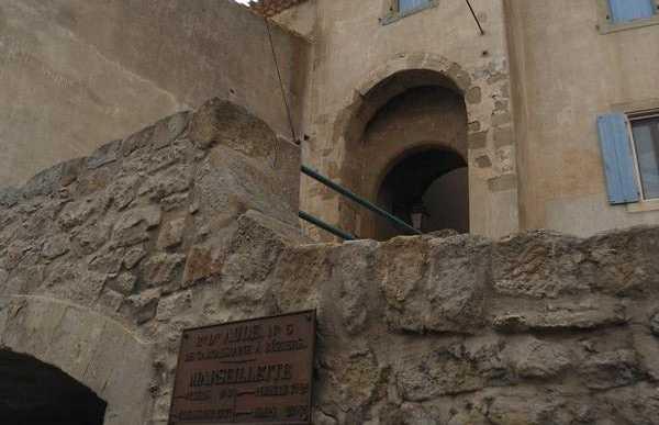 Puerta de Marseillette