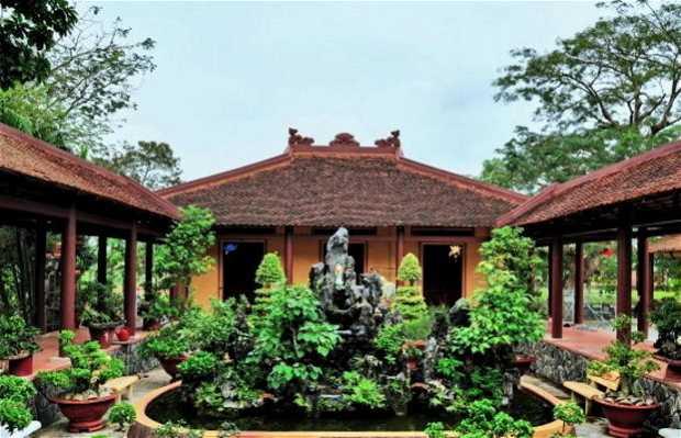 Thi Nien Pagoda