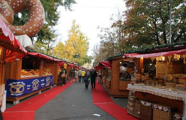 Mercado de Navidad de la Piazza degli Alpini