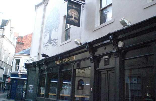 Forth Hotel Pub