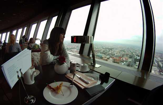 Desayuno desde la torre de TV de Berlín