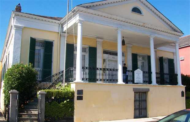 Beauregard-Keyes House and Gardens