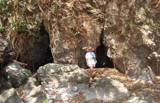 Cuevas Punta de Piedra