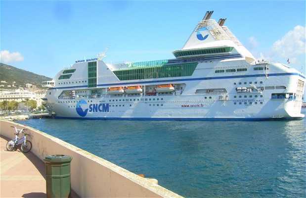 Ferry a Córcega