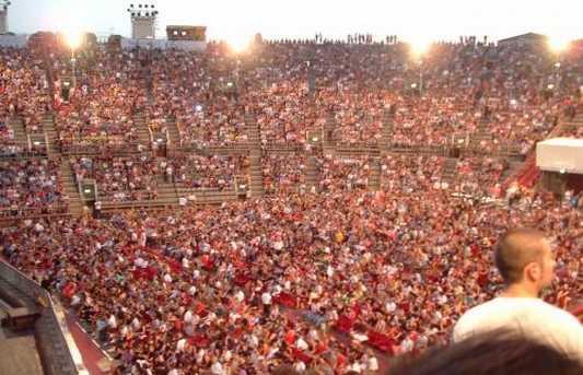 El Festival de ópera de las Arenas