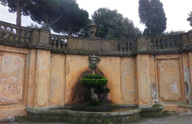Fontana di via Alberico II