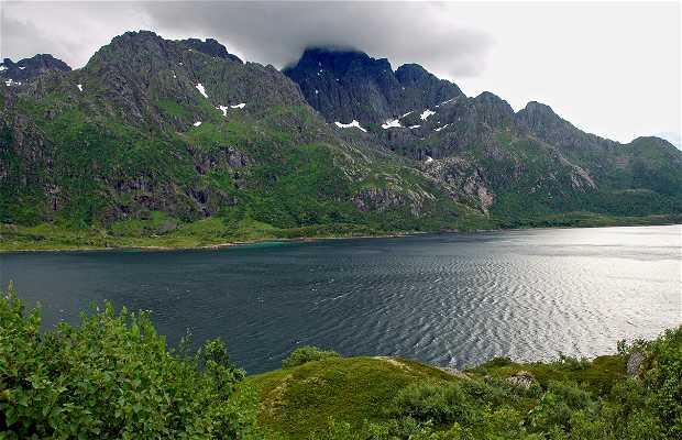 Bahía de Sildpollnes en Austnesfjorden