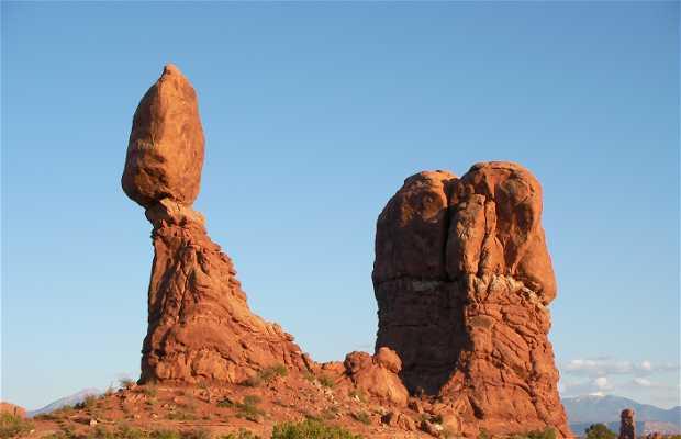 Balanced rock (ARCHES)