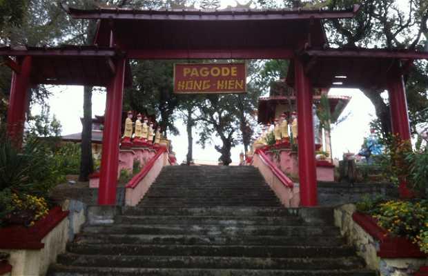Buddhist Pagoda Hông-Hiên