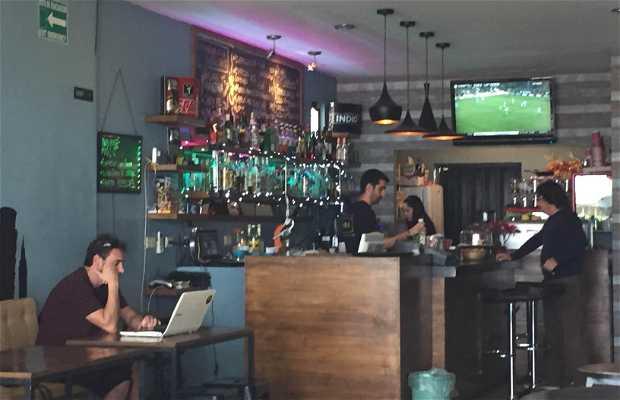 KM-0 Café Bar