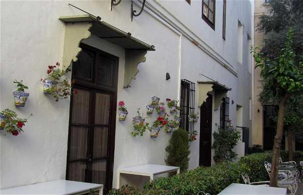 El patio andaluz del restaurante la raza seises en - Fotos patio andaluz ...