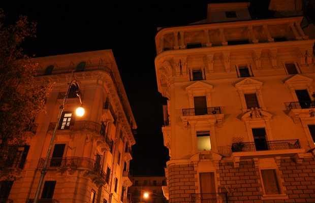 Palazzi storici sul lungomare di Salerno