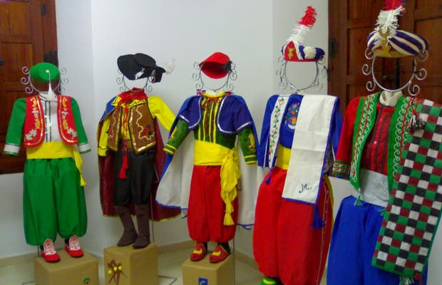 Paper costumes
