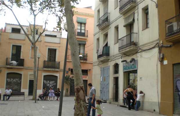 Plaza del Raspall y Poble Romani