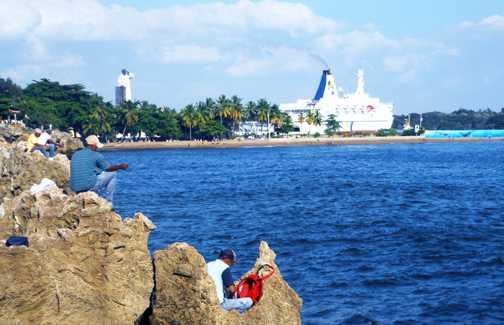 Fray Antón de Montesinos frente al Malecón