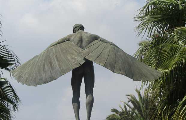 Monument to Icaro