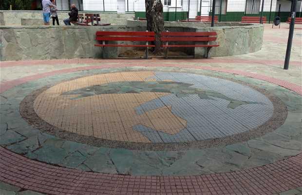 Plaza Mirador Rio Coyhaique