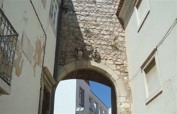 Puerta D. Manuel