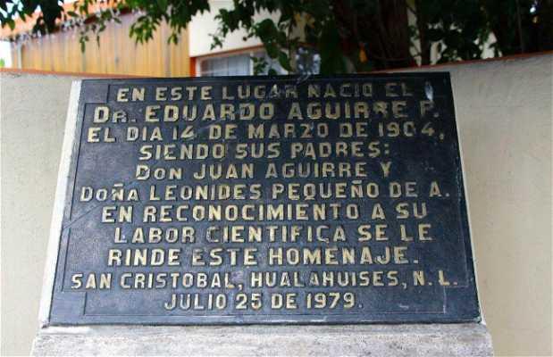 Placa Conmemorativa Dr. Aguirre Pequeño