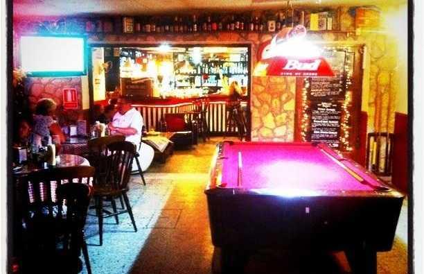 Harvey's Pub