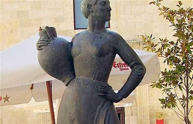 Escultura La Aguadora