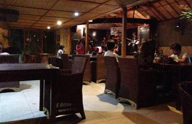 Paradise Bar Labuan Bajo