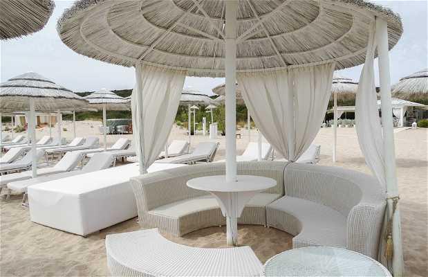 White Beach Retaurant Beach Bar